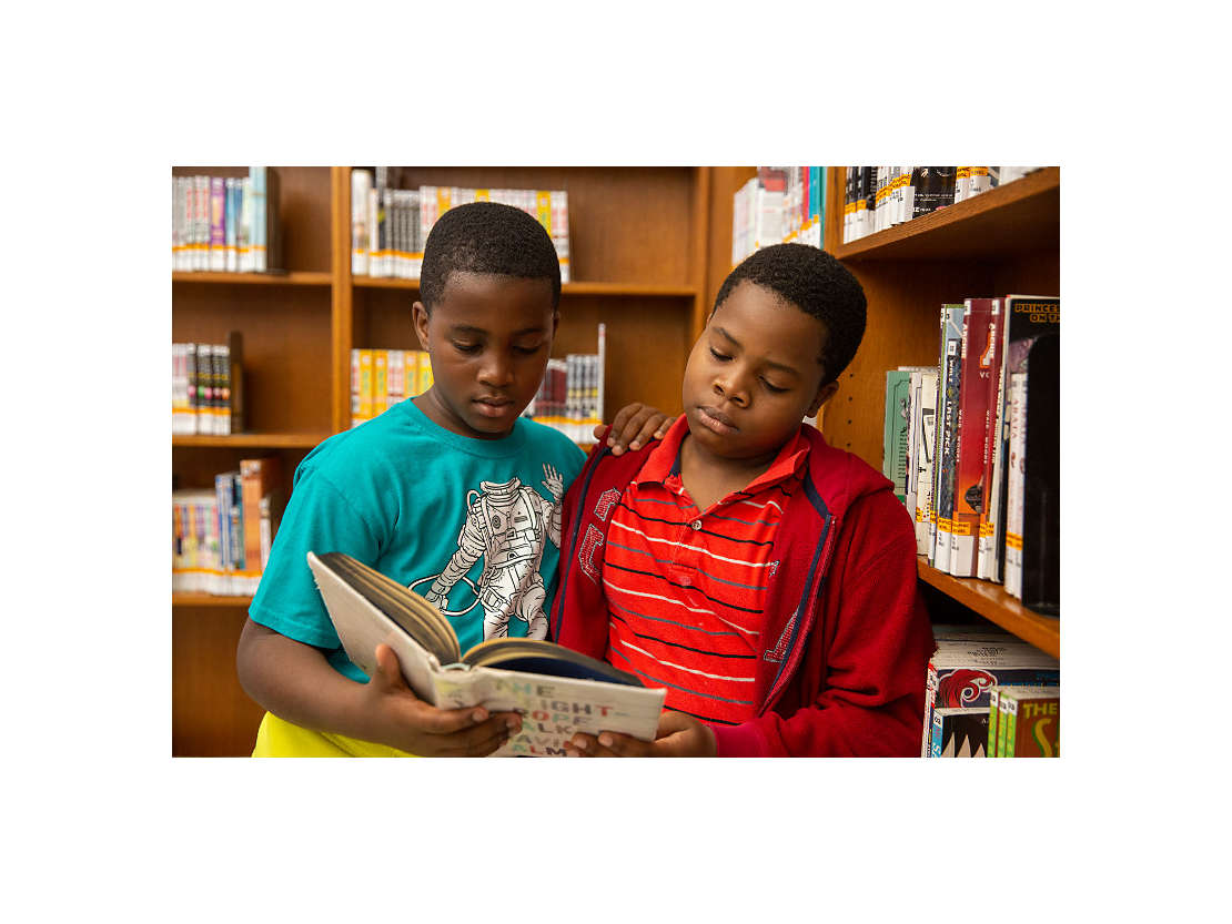Kids in library.