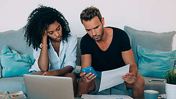couple financial stressed