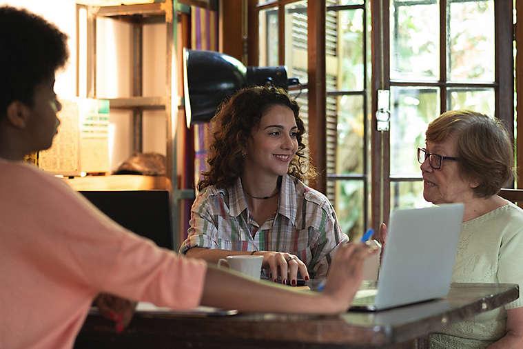 Talking to elderly women about retirement