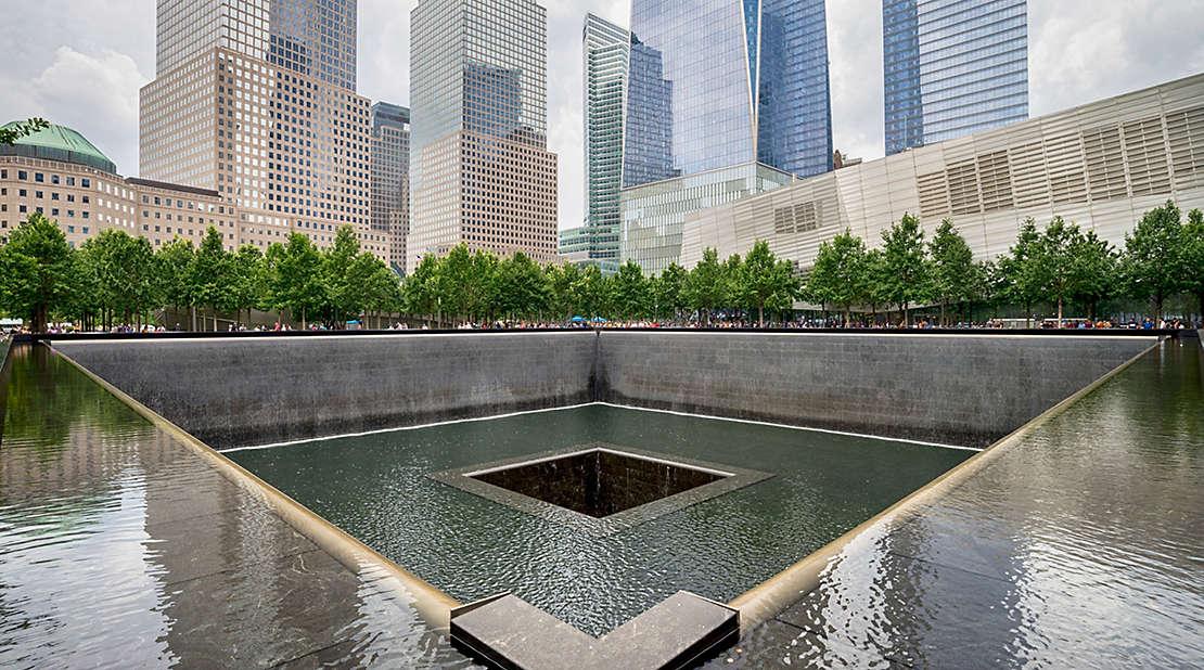 9/11 Memorial Art Cart: Photo by Jin Lee