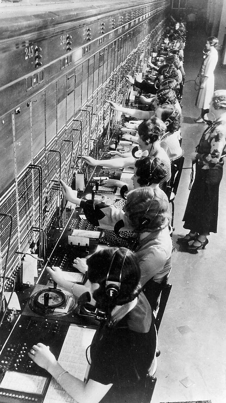 women in phone bank