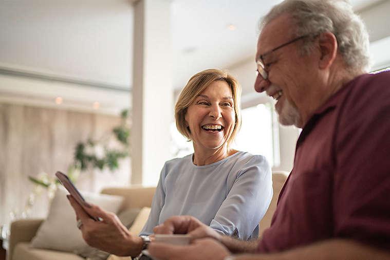SEO-57-3x2-elderly-couple-smiling.jpg