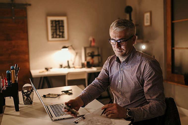 elderly-man-doing-taxes.jpg