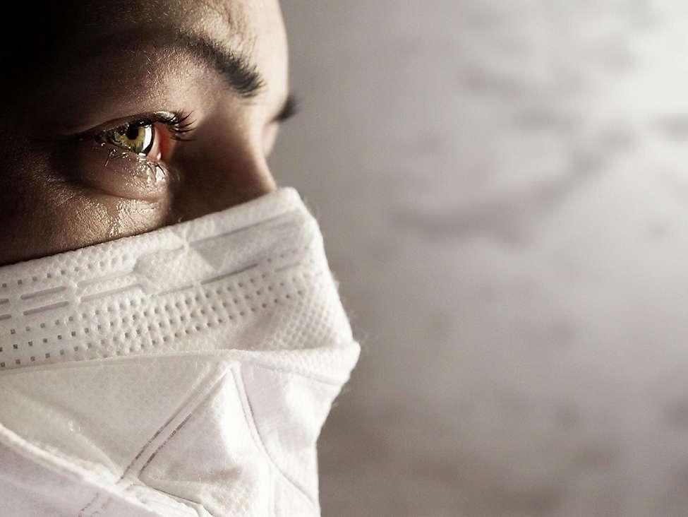 Women wearing facemask