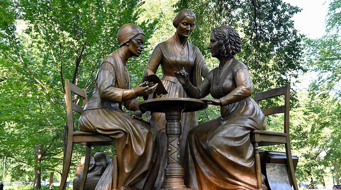 monumental women scultpure